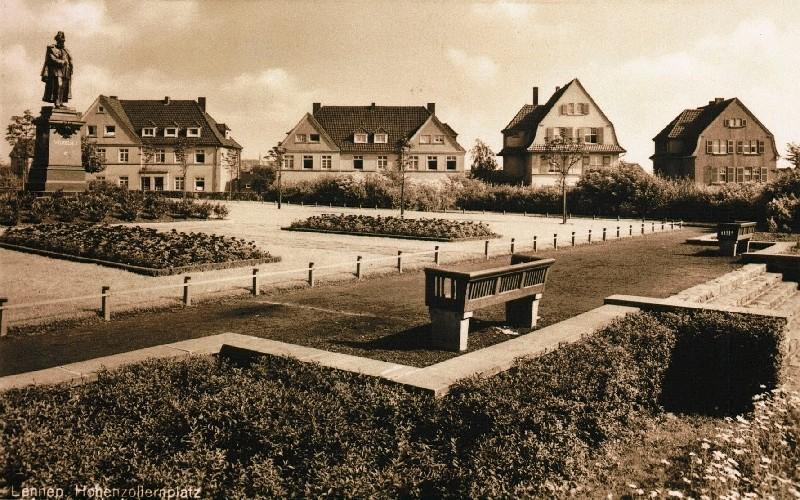 Für einen neuen Standort des Denkmals von Kaiser Wilhelm I. wurde extra eine Anlage am Lenneper Hohenzollernplatz geschaffen. Lenneparchiv Schmidt.