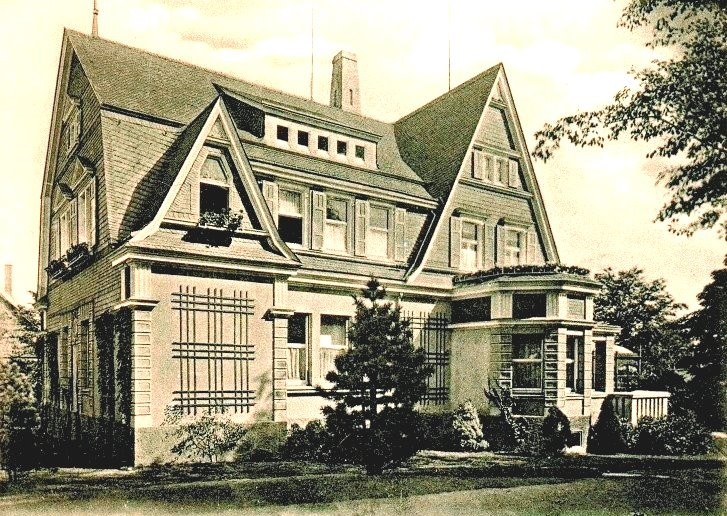 Mehrere nach 1880 neu erstellte Bauten des Areals wurden zu einem erheblichen Teil Opfer des Bombenkrieges im 2. Weltkrieg. So auch dieses Kontorhaus. Lenneparchiv Schmidt.