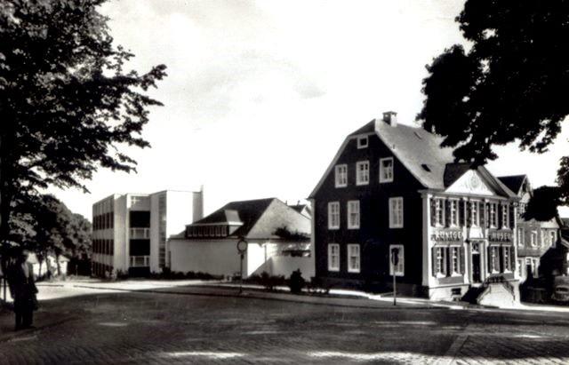 Röntgenmuseum mit Erweiterungsbauten um 1970. Lenneparchiv Schmidt