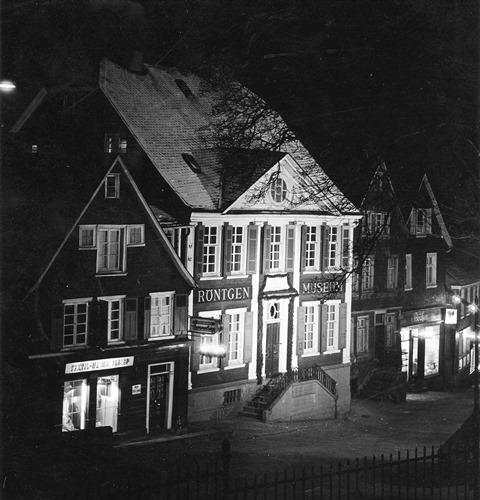 Abb. 11 Röntgenmuseum bei Nacht, Bildautor Fritz Schurig