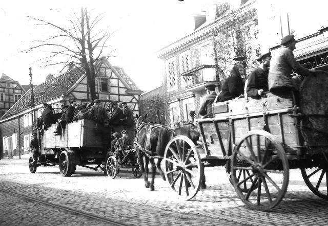 Abb. 6 Tross auf der Kölner Str. um 1920 in Lennep, Bildautor Dr. Fritz Schulz